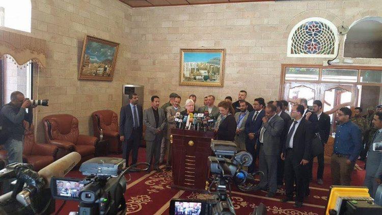 لأول مرة منذ تعيينه.. المبعوث الأممي إلى اليمن مارتن غريفتث يصل العاصمة صنعاء
