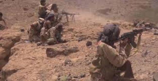 مقتل وإصابة أكثر من 28 من مليشيا الحوثي في مواجهات مع قوات الجيش بمحافظة البيضاء