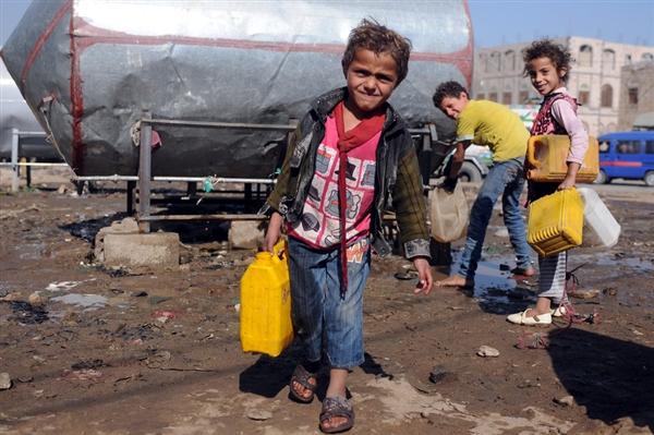 منظمة أممية: 2 مليون طفل في اليمن لا يذهبون الى المدارس و2500 مدرسة لا تعمل