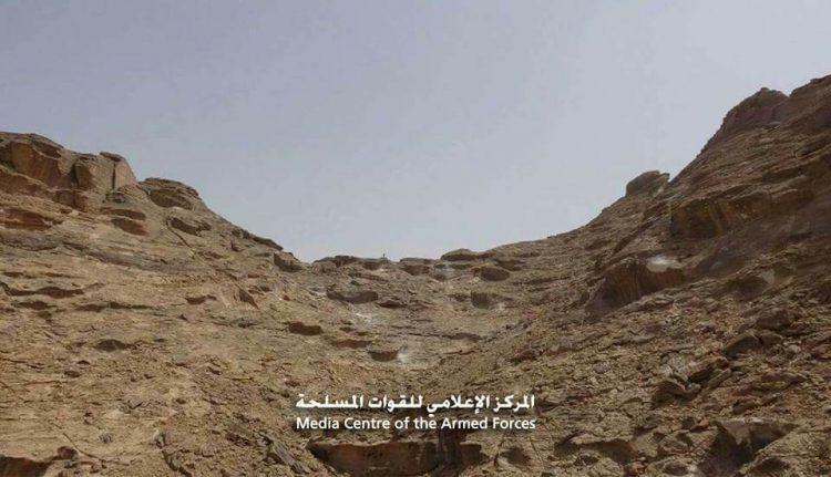 قوات الجيش الوطني تحرز تقدما كبيرا وتعثر على مخزن أسلحة في مديرية كتاف بمحافظة صعدة