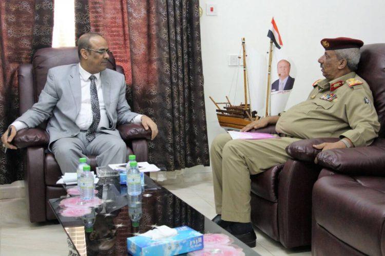 وزير الداخلية يناقش مع محافظ لحج احتياجات المحافظة من مشاريع وخدمات