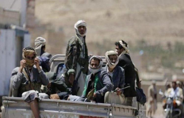 مليشيا الحوثي تختطف طفلا في تعز وتطالب والديه بتسليم أبناء عمه أنفسهم لأنهم مع المقاومة