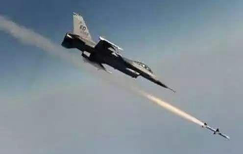 مصرع قيادات حوثية بغارة لطيران التحالف العربي إستهدفت اجتماع مهم للمليشيات في صعدة