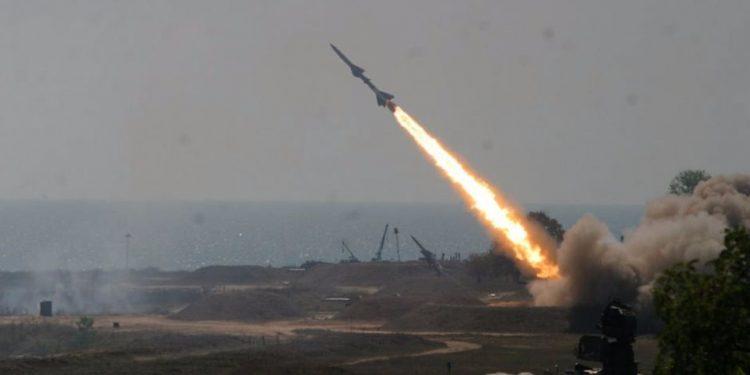 الدفاعات سعودية تعترض صاروخ باليستي أطلقته المليشيات الحوثية على جازان