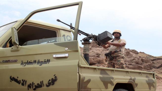 مليشيا الحزام الأمني المدعومة إماراتيا تعزز مليشياتها في أبين بجنود وأسلحة
