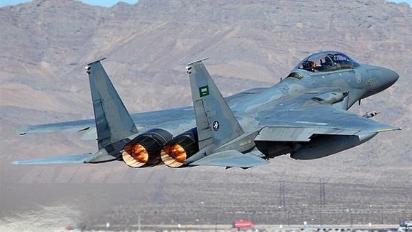 غارات للتحالف العربي تستهدف كلية الطيران ولواء النقل الثقيل ومواقع أخرى في صنعاء