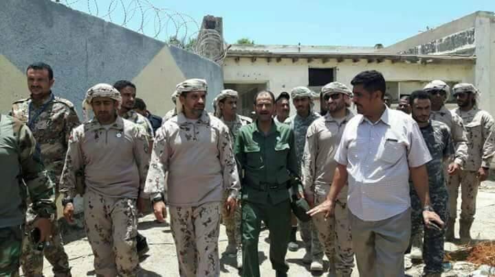 بهذه الطريقة الاستفزازية قائد القوات الاماراتية يرد على بيان الحكومة اليمنية