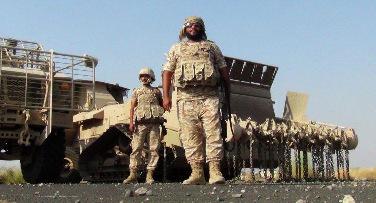 """مهند بتار يتسائل: ماذا تفعل القوات """"الإماراتية"""" في جزيرة سقطرى اليمنية؟!"""