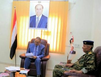 وزير الداخلية يناقش مع قائد القوات الخاصة بتعز الإحتياجات اللازمة لإعادة تشكيلها