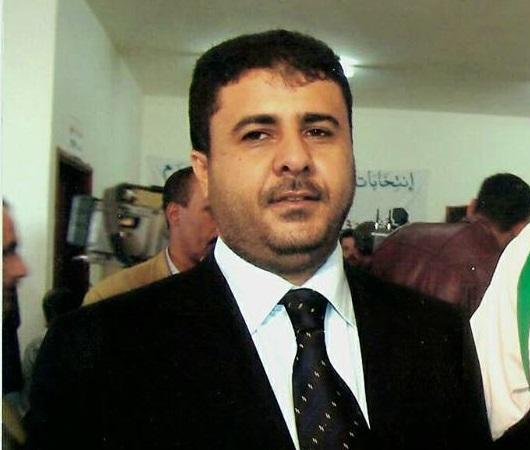 الشيخ العيسي يعزي في وفاة رئيس فرع المؤتمر بمديرية المنصورية بالحديدة