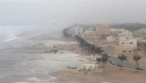"""مؤسسة الإتصالات في المهرة تشكل فريق فني لتقييم اضرار """"الاتصالات"""" الناتجة عن الاعصار وإصلاحها"""