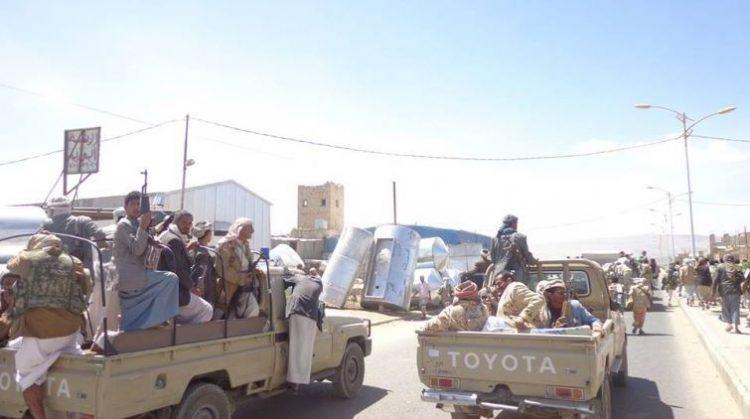 مليشيا الحوثي تقوم بنقل أسلحة ثقيلة وذخائر من صنعاء الى صعدة