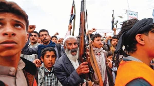 """صنعاء: مليشيا الحوثي تستوليى على مبنى نقابة """"الطيارينوالمهندسين الجويين"""""""