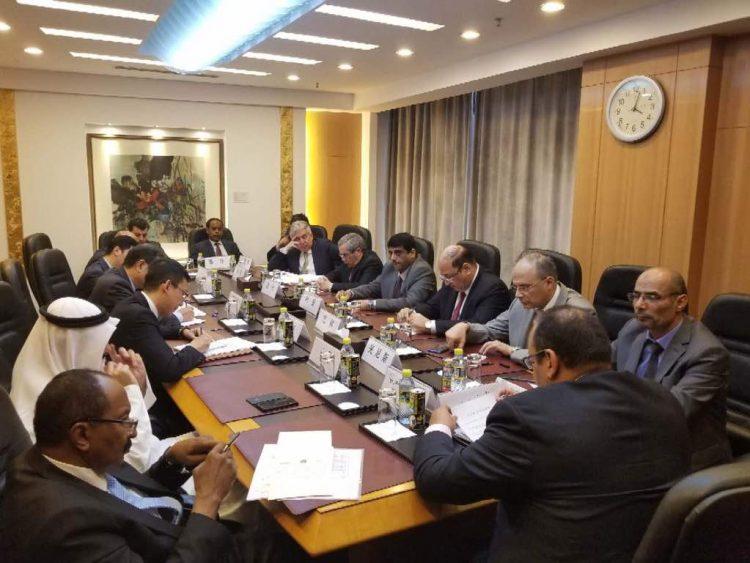 الخارجية الصينية تطلع على مستجدات الأوضاع في اليمن