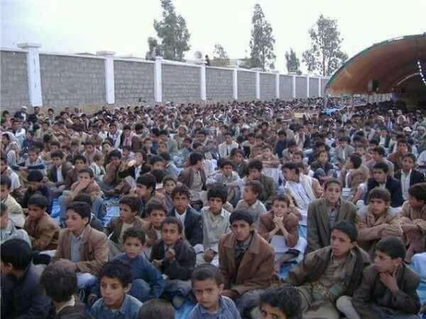فقدان 200 طفل من دار الأيتام في صنعاء بعد أن جندتهم مليشيا الحوثي بالقوة
