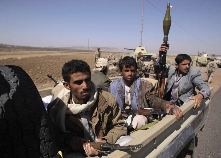 قيادي حوثي بارز يلقى مصرعه مع عدد من مرافقيه في معارك مع قوات الجيش في الحديدة