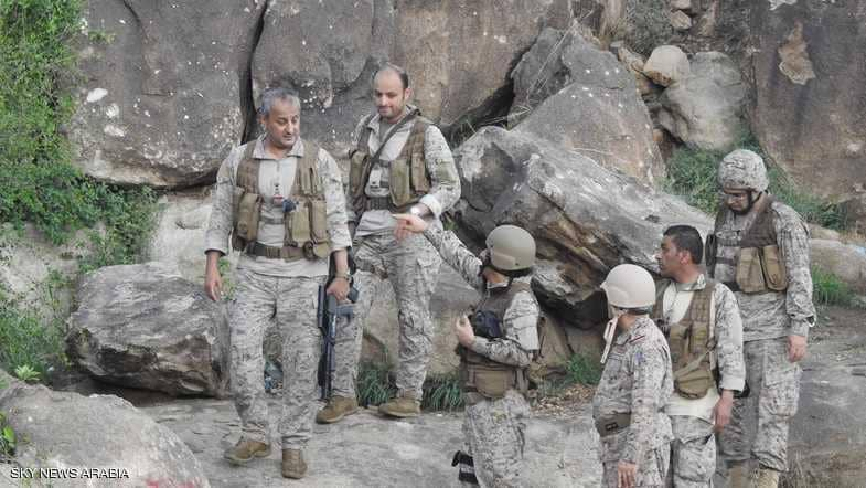 الأمير فهد بن تركي يتفقد العمليات العسكرية في اليمن (صور)