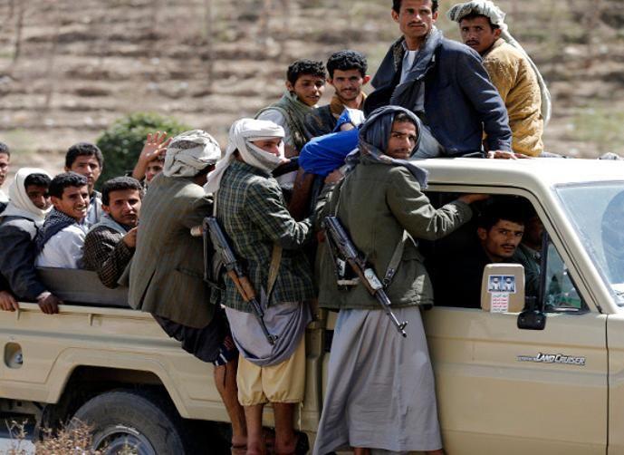 تصاعد الخلافات في صفوف المليشيا الحوثية تصل حد المواجهات المسلحة.. تفاصيل
