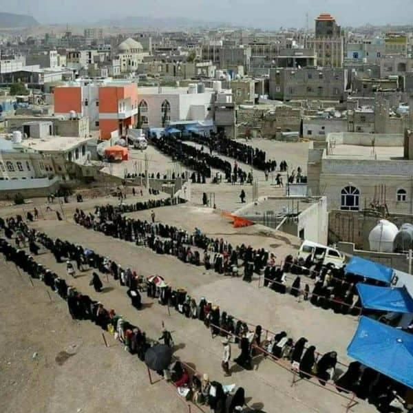 هكذا تتاجر مليشيا الحوثي بمعاناة الناس في صنعاء