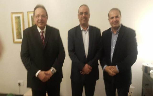 وزير الداخلية الميسري، يلتقي الرئيس الجنوبي الاسبق علي ناصر محمد بالامارات