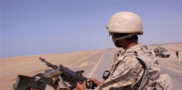 قوات عسكرية تنفذ حملة أمنية وتلقي القبض على عصابة تقطع في الطريق الرابط بين عدن وتعز