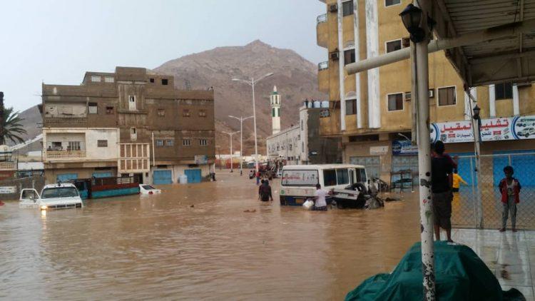 المكلا: السيول تتسبب في اضراراً بالغة وتسجيل مفقودين