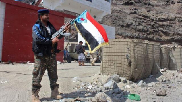 """الامارات تدعو صراحة الى """"تمزيق"""" اليمن"""