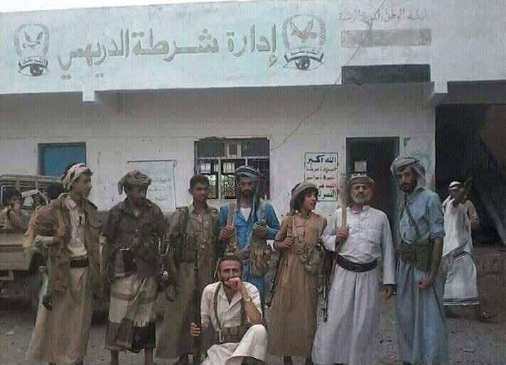 الحديدة.. قيادي حوثي رفيع يلقى مصرعه مع عدد كبير من اتباعه في معارك الدريهمي (الاسم)