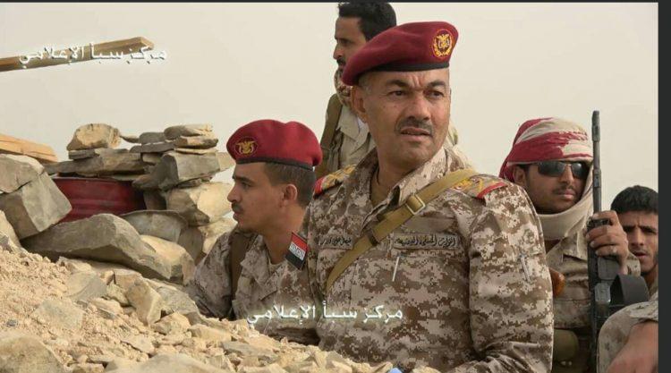 صرواخ :قائد العسكرية الثالثة يتفقد قوات الجيش الوطني بالخطوط الامامية