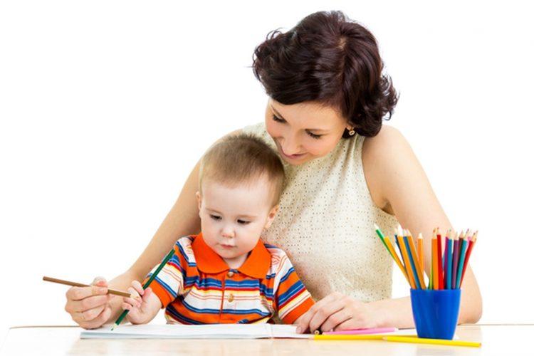 السن  المناسب لتعليم الأطفال لغات جديدة