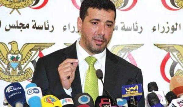 المتحدث باسم الحكومة ينفي صحة قبول الحوثيين الانسحاب من الحديدة