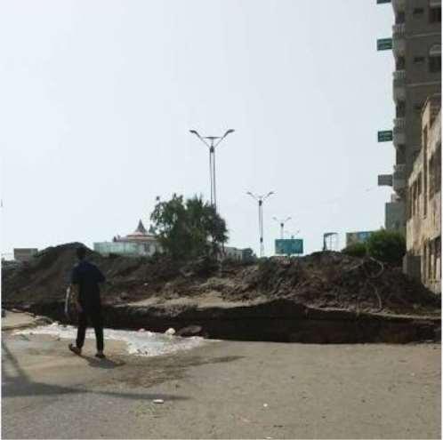 مقتل 3 مدنيين بانفجار لغم في الحديدة وانقطاع مياه الشرب بسبب قيام المليشيات بحفر الخنادق