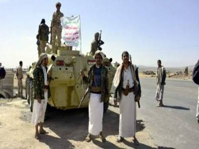 مليشيا الحوثي تحتجز عريسين لساعات وتشن حملة اختطافات على أهالي قرية الورك شرق مدينة عمران