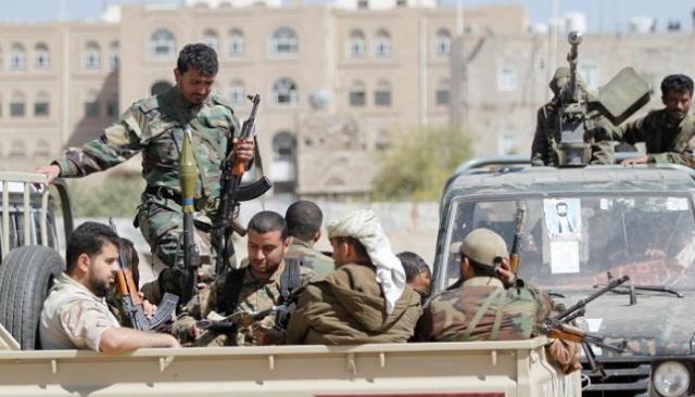 مليشيا الحوثي تقوم باستخدام المعتقلين والمختطفين دروعا بشرية