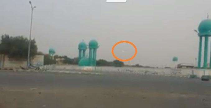 فيديو .. صواريخ الكاتيوشا والقذائف الحوثية تتساقط وسط الاحياء السكنية في الحديدة