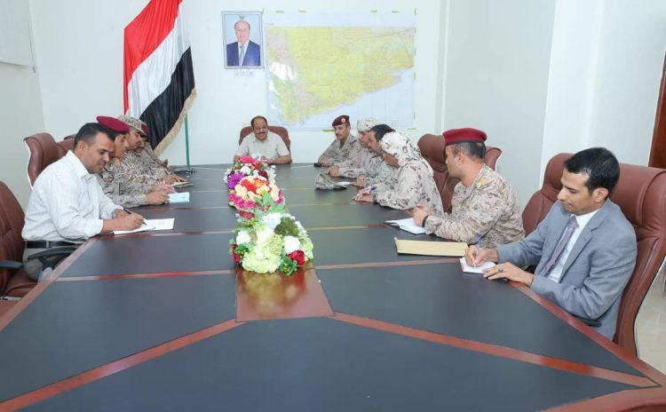 نائب رئيس الجمهورية يعقد اجتماعاً بقيادات الجيش والتحالف في مأرب