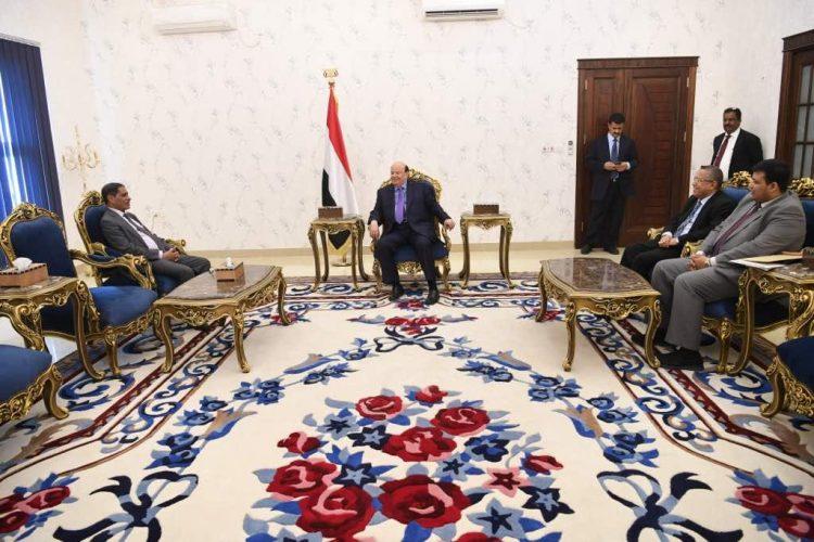 رئيس الجمهورية يوجه باعتماد مليار ريال لتخفيف أضرار السيول والإعصار في حضرموت