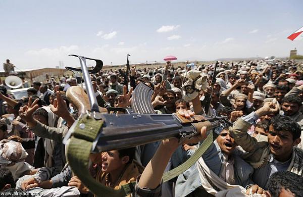 انشقاق قائد المنطقة العسكرية الخامسة التابع لمليشيا الحوثي وإعلان انضمامه للشرعية