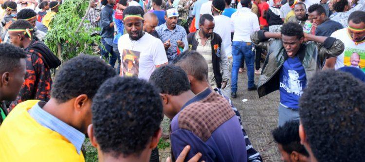 الانفجارات تضرب أفريقيا.. بعد نجاة رئيس وزراء إثيوبيا بساعات.. تفجير يهز تجمعاً انتخابياً لرئيس زيمبابوي