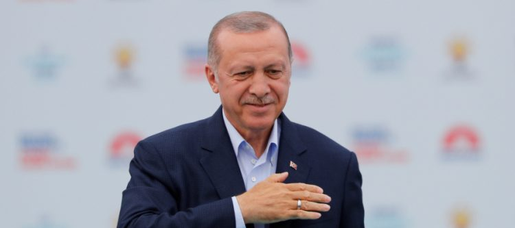 تركيا: اردوغان يفوز بولاية جديدة لمدة 5 سنوات وتحالفه يحصد أغلبية بالبرلمان