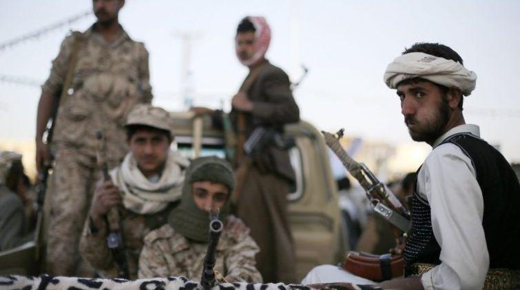 مليشيا الحوثي تفرض على قيادات المؤتمر في صنعاء بيع عقارات الحزب في الحديدة وتعز