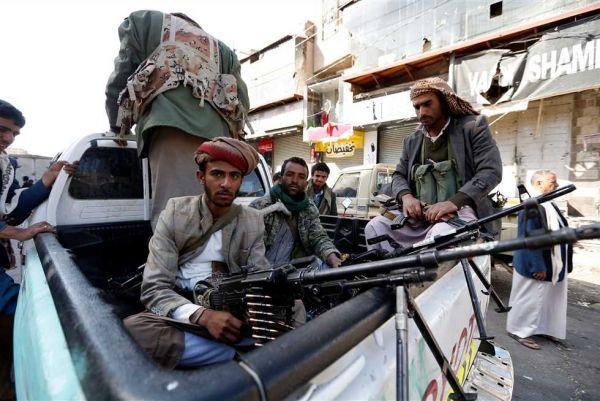 """إغلاق أحد أكبر المراكز التجارية وفروعه بـ""""صنعاء"""" بسبب رفضه دفع الخمس """"الحوثية"""""""