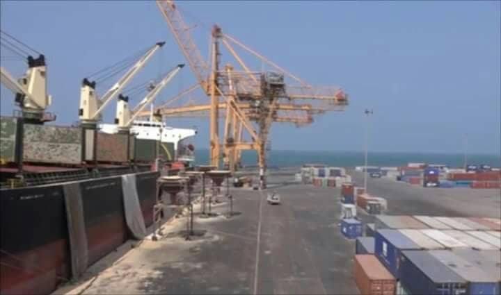 نائب وزير النقل يكشف جرائم مليشيا الحوثي بحق كوادر وموظفي ميناء الحديدة