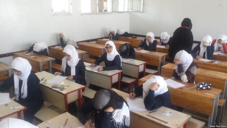 طلاب اليمن في المناطق المحررة يبدأون امتحانات الثانوية العامة