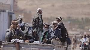 مليشيا الحوثي تحفر خنادق في خط تعز الحديدة بين مديريتي بيت الفقيه والمنصورية