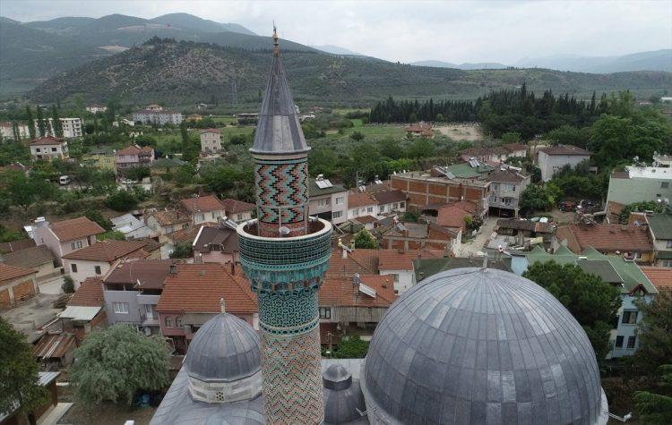 """تركيا.. مأذنة """"الجامع الأخضر"""".. تحفة فنية عثمانية"""