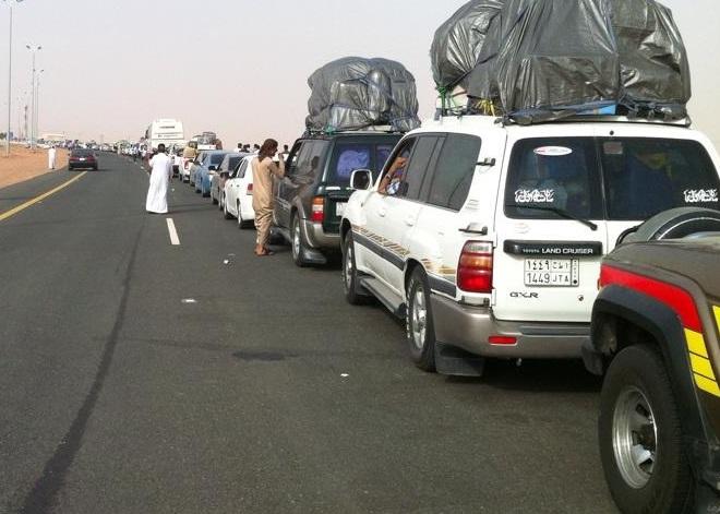 السعودية تسمح بخروج سيارات الدفع الرباعي إلى اليمن ما عدا (الشاصات والهيلوكسات)