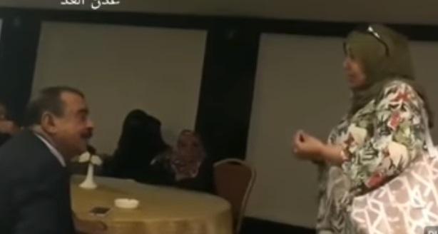 """بالفيديو.. ذكرى العراسي تهاجم بن بريك والمجلس الانتقالي :""""لا فرق بينكم وبين مليشيات الحوثي"""""""
