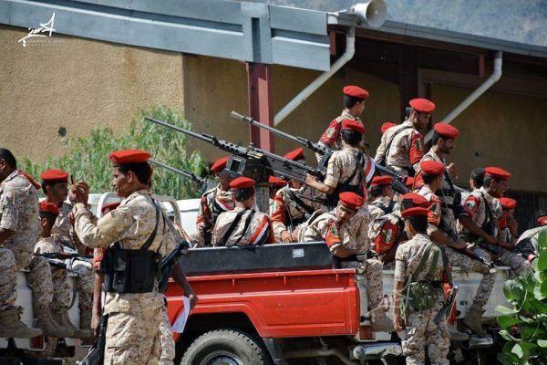 قوات في الجيش تحبط محاولة تفجير عبوة ناسفة زرعت بالقرب من أحد الأطقم التابعة للجنة الأمنية بتعز