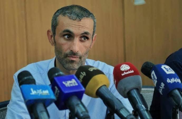 الحوثيون يفرجون عن مواطنا فرنسي بعد عامين ونصف من اختطافه وتعذيبه